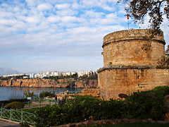 A walk through Antalya, Turkey, 025 (Andy von der Wurm) Tags: ocean trip sea vacation turkey bay mediterranean tour walk urlaub trkiye sightseeing trkei antalya reise tuerkei eurasia spaziergang bucht rundgang mittelmeer trkischeriviera mediteran hobbyphotograph tuerkischeriviera tuerkiye gulfofantalya andreasfucke andyvonderwurm golfvonantalya