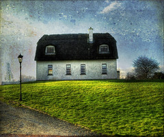 Irish Thatched Roof Home (Cat Girl 007) Tags: ireland irish white house green classic texture home architecture countryside europe european country structure lamppost thatchedroof residence thatched ecoledesbeauxarts memoriesbook artistictreasurechest texturesbylesbrumes magicunicornverybest magicunicornmasterpiece bookofinspirations artmixgallery43