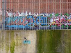 em santos (*L) Tags: streetart geotagged graffiti stencil lisboa santos graffito portodelisboa osstênceisdal caisdaviscondessa geo:lat=3870560316119591 geo:lon=9155321873107937