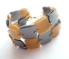 Golden & silver upcycled bracelet (d'ekoprojects) Tags: recycled handmade chic eco ecofriendly plasticbottle handmadejewelry handmadeearrings upcycled recycledjewelry handmadebracelet ecofriendlyjewelry recycledearrings upcycledjewelry recycledplasticbottle plasticbottlejewellery plasticbottlebracelet plasticbottlejewelry