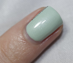 China Glaze Keep Calm, Paint On (3) (Samarium's Swatches) Tags: green shimmer seafoam mintgreen chinaglaze microshimmer