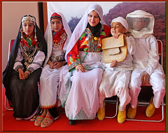 Le Festival des amandiers (mhobl) Tags: festival children kinder morocco maroc marokko tafraoute tracht marokkanischekleiderundschmuck