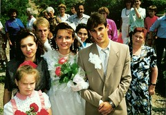 055_UkrnEskv_1992 (emzepe) Tags: family wedding village married marriage ukraine just 1992 ukrainian hochzeit csald kirnduls ukraina eskv  nyr falu oblast  ukrayina jlius ukrajna krptalja jaremcze regiunea hzassg zakarpatska zakarpattia   ukrn  subcarpatia  szervezett krptaljai jaremcse jaremcsa jeremcse