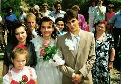 055_UkrnEskv_1992 (emzepe) Tags: family wedding village married marriage ukraine just 1992 ukrainian hochzeit csald kirnduls ukraina eskv  nyr falu oblast  ukrayina jlius ukrajna krptalja jaremcze regiunea hzassg zakarpatska zakarpattia   ukrn  subcarpatia  szervezett krptaljai jaremcse jaremcsa jeremcse