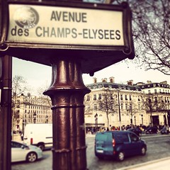 Champs-lyses (OnaMissionMedia) Tags: instagramapp square squareformat iphoneography uploaded:by=instagram brannan