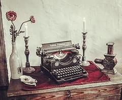 Rubedo  #alchimie #feu #air #hair #fire #aqua #eau#terre #mort #dead #rose #red #rouge #grand_oeuvre#spiritual #hermes #trismegiste #histoire #vie #intrieur #pierre #philosophale #Aisne #hautdefrance #cration #hermetic (Histoires de Familles) Tags: instagramapp square squareformat iphoneography uploaded:by=instagram rise