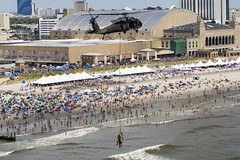 New Jersey National Guard (The National Guard) Tags: 2016atlanticcityairshow tacticalaircontrolparty airmen 227thairsupportoperationssquadron newjerseyairnationalguard 1150thassaulthelicopterbattalion newjerseyarmynationalguard newjerseynationalguard specialpurposeinsertionextraction spies atlanticcity boardwalk nj aug172016 photobymastersgtmarkcolsen newjersey unitedstates us new jersey njng air show demonstration special purpose insertion extraction atlantic city uh60 black hawk helicopter chopper