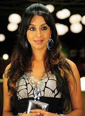 South Actress SANJJANAA Photos Set-11 (22)