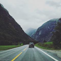 the way to Flm (Ozan) Tags: norwegen flm aurland norway norve norge sognogfjordane