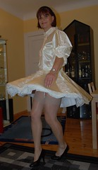 Sissy maid dancing (Marie-Christine.TV) Tags: stockings lady dress feminine sissy transvestite maid frenchmaid suspender mariechristine sissymaid strmpfe partykleid