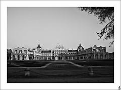 Palacio Real de Aranjuez / Royal Palace of Aranjuez (A. Jimnez) Tags: madrid b bw alex real j bn vista belmonte palacio albacete aranjuez pivotes jimnez a trayo