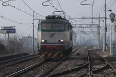 E655-160 (Raffaele Russo (LeleD445)) Tags: milano cargo container pax loc venezia lis treviglio trenitalia e656 caimano locomotore e655 isolata vidalengo reostato