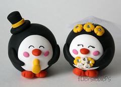 Penguin Cake Topper (fliepsiebieps_) Tags: bear wedding cute animal groom bride penguins moose figurines clay whimsical weddingcaketopper weddingcaketoppers