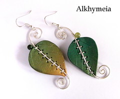 Chlorophyll,  the earrings 3 (Alkhymeia) Tags: original verde green art nature leaves metal stone foglie work wrapping liberty gold beads leaf wire artistic handmade spirals unique ooak inspired deep jewelry bijoux pasta jewellery polymerclay fimo fairy creation fantasy clay wicked bead wired sculpey handcrafted foglia earrings unusual delicate blatt enchanted whimsical jewel spirale artesania wiccan cernit elvish polymer wirework anello premo bijouterie wirewrapped artigianato silverplated orecchini artigianale gioiello spirali bizuteria sintetica polimerica bigiotteria alkhymeia alkhy pendentiera