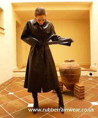 Black Mack (Rubbr Rainwear) Tags: rubber mackintosh sbr