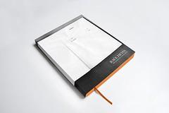 Manual para ser mi propio padre, 2013. Libro. Offset sobre papel. 1000 ejemplares numerados y firmados