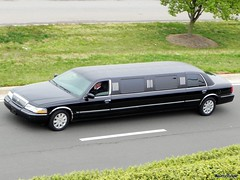 2003-05 Mercury Grand Marquis Limo (B737Seattle) Tags: 2005 2003 black 2004 mercury grand limo stretch lincoln limousine marquis