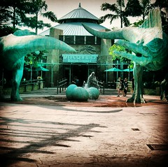 Lost World (SherSirenita) Tags: fountain scenery singapore dinosaur uss dinosaurs lostworld flickrandroidapp:filter=none
