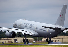 Voyager (Bernie Condon) Tags: a330 airbus voyager pfi con fraud airtanker raf royalairforce tanker airliner passenger jet riat riat16 airtattoo tattoo ffd fairford raffairford airfield aircraft plane flying aviation display airshow uk 2016