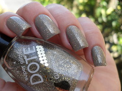 Beauty Color - Bailarina + Dote - Glamour (Barbara Nichols (Babi)) Tags: dote glitter beautycolor glamour nails nailpolish naillacquer mos unhas