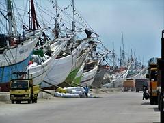 Sunda Kelapa (SqueakyMarmot) Tags: travel asia indonesia java jakarta 2016 sundakelapa oldharbour port pinisi boats