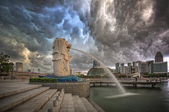 Merlion and the Storm (spintheday) Tags: singapore singaporeriver marinabaysands marinabay merlion centralbusinessdistrict artsciencemuseum storm cloud rain weather nature