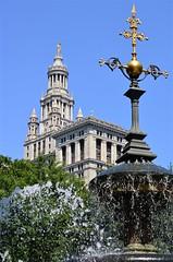 City Hall with Fountain (pjpink) Tags: cityhallpark park fountain cityhallparkfountain water splash manhattan nyc newyork newyorkcity ny urban city june 2016 summer pjpink