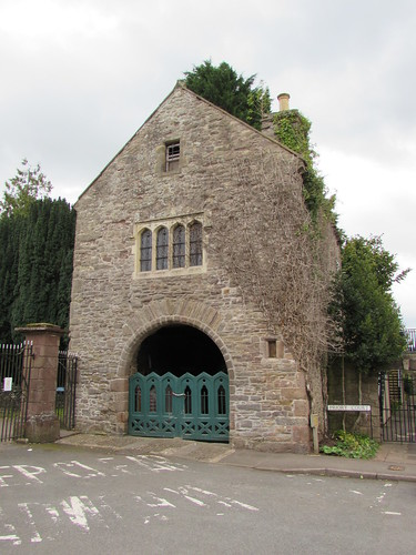 Usk: Priory gatehouse (Monmouthshire)