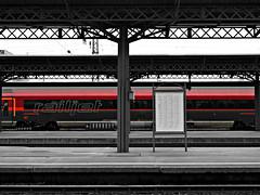 Budapest, Hungary (boti_marton) Tags: budapest hungary magyarorszg europa city cityscape trainstation bw railjet bb siemens train panasonic dmc lz20 lumix