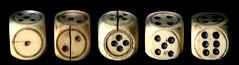 Fünf Würfel aus Röhrenknochen (altpapiersammler) Tags: alt vintage old spiel glücksspiel würfel die dé dado ку́бик kostka knochen bein