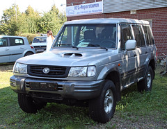 Galloper (Schwanzus_Longus) Tags: delmenhorst german germany korea korean modern car vehicle suv offroader offroad 4x4 silver used dealer hyundai galloper exceed intercooler turbo spotted spotting carspotting