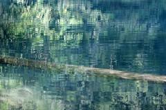 L o dorment les bateaux (Emmanuelle2Aime2Ailes) Tags: eau rivire labresque arbre reflets