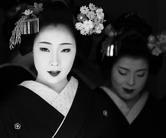 New Year in Kyoto, Japan (momoyama) Tags: portrait people blackandwhite bw japan canon kyoto maiko geiko geisha 7d