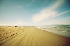 Tengo piernas de campesina (laororo) Tags: beach catalunya deltadelebre
