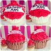 Giant Cupcakes!!! Solo en #sweetcakesstore #sweetcakes #lecheria #venezuela #puertolacruz #bakery #cupcakery #cupcakes #originalcupcakes #originalcakes #cakes #minicakes #delicious #yummy #cute #roses #instagramers #photooftheday #instalove #3000followers (Sweet Cakes Store) Tags: cakes valencia del giant square de la cupcakes yummy y amor venezuela dia tienda cupcake squareformat rosas gigante torta regalo madre tortas lecheria ponque sweetcakes rufles ponques iphoneography instagramapp uploaded:by=instagram sweetcakesstore sweetcakesve