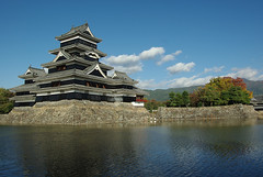 Matsumoto-j (The Metal Merchant) Tags: castle japan  matsumoto  matsumotocastle matsumotoj smcpda1770mmf4alifsdm japan2012