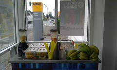 "Smoothie Catering beim ADAC • <a style=""font-size:0.8em;"" href=""http://www.flickr.com/photos/69233503@N08/8447764758/"" target=""_blank"">View on Flickr</a>"