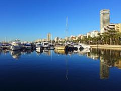 Otra Manana Perfecta (Fotomondeo) Tags: espaa castle beach valencia port reflections boats puerto spain barcos playa alicante castillo reflejos alacant lx7
