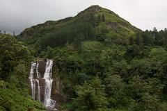 Kudawa falls (Stuart Butler / Oceansurf) Tags: november landscape waterfall asia tea tropical srilanka hillcountry teaestates nuwaraeliya 2011 teapickers rambodafalls kudawa