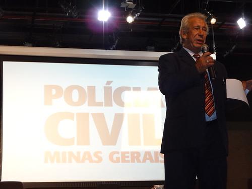Antônio Roberto em palestra na Superintendência de Planejamento, Gestão e Finanças da Polícia Civil de Minas Gerais