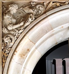 Barcelona - Rbla. Catalunya 104 d 1 (Arnim Schulz) Tags: barcelona sculpture espaa building art architecture liberty spain arquitectura arte kunst edificio skulptur catalonia escultura artnouveau gaud architektur catalunya espagne btiment gebude modernismo catalua spanien modernisme jugendstil plastik espanya katalonien stilefloreale belleepoque baukunst bildhauerei
