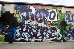 (BCalico) Tags: house hot dogs graffiti xmen rt monsta tiepo
