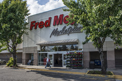 Portland_Fred_Meyer_3 (crainnational) Tags: food oregon portland or pharmacy grocerystore portlandor fredmeyer
