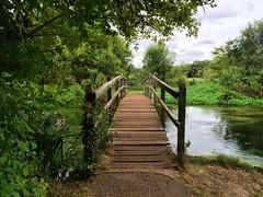 Itchen Footbridge (Marc Sayce) Tags: river itchen way ovington hampshire stoke south downs national park footbridge
