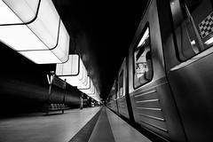 platform.two. (HansEckart) Tags: bahnsteig hafenuniversitt ubahn hamburg sw blackandwhite monochrome hvv architektur underground station urban perspektive linien line
