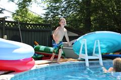 1E7A5411 (anjanettew) Tags: swimming diving kids pool summer fun twins sillykids splashing babypool