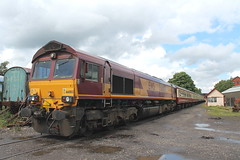 66003 TnT 66165 1Z59 (Neil Altyfan - Railway Photography) Tags: 66003 tnt 66165 1z59 bury boltonstreet elr london euston baron street yard 300612 charter