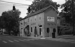 Old Lexington House (bclook) Tags: leicam6classic m6 jchpan400 jch400 jchstreetpan400 noiretblanc bwfp monochrome blackwhite istillshootfilm filmisnotdead ishootfilm