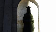 Inside out (lluiscn) Tags: esttua esttues statues valncia corona crown blanc negre nau font patriarca sol llum ombra shadows light shadow llums contrast bn bw monochrome