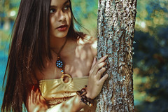 #ProjectNeverland: #Pocahontas (TheJennire) Tags: photography fotografia foto photo camara camera colours colores cores light luz photoshoot pocahontas princess disney movie cinema people portrait hair cabello pelo cabelo fantasy dream dreamy ethereal fashion style makeup indie girl young tumblr face projectneverland conceptualphotography nature natureza naturaleza wind colorsofthewind nails tree wood